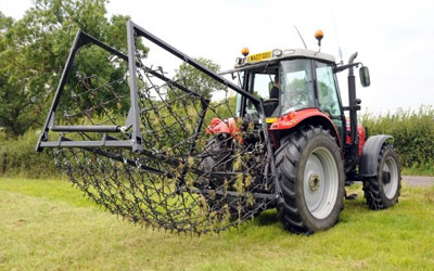 FOLDING MOUNTED HARROWS